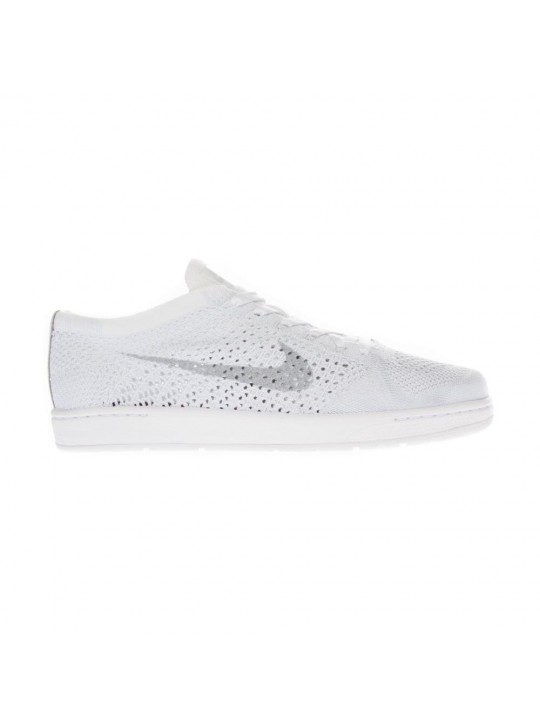 Nike Women's Tennis Classic Ultra Flyknit Low Top  Trainers